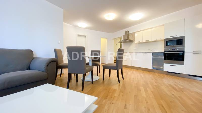 (B7) THE COMFORT OF EXCLUSIVE TWO-BEDROOM APARTMENT