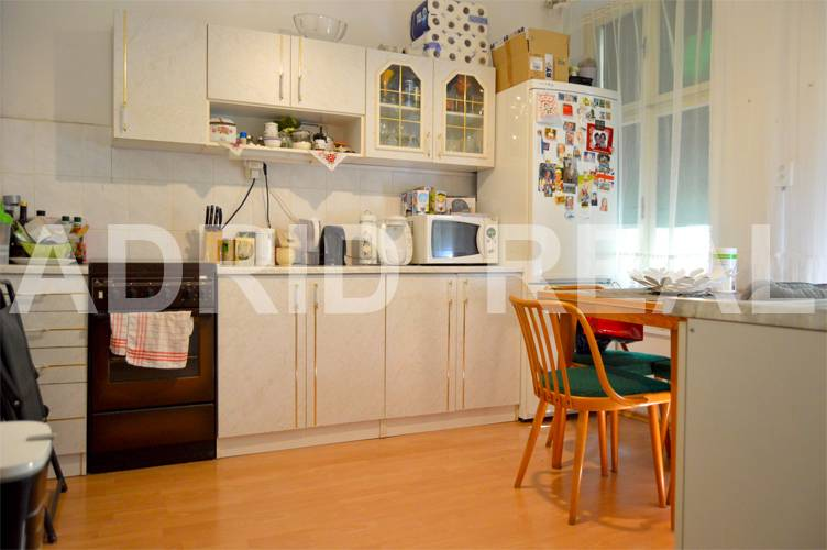 LIGHT AND UNIQUE TWO-ROOM FLAT FOR SALE IN ORIGINAL CONDITION
